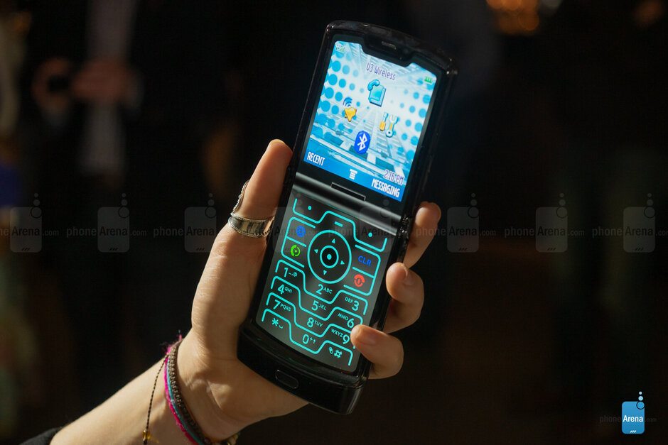 Motorola slashes $500 from the price of the Razr for a limited time