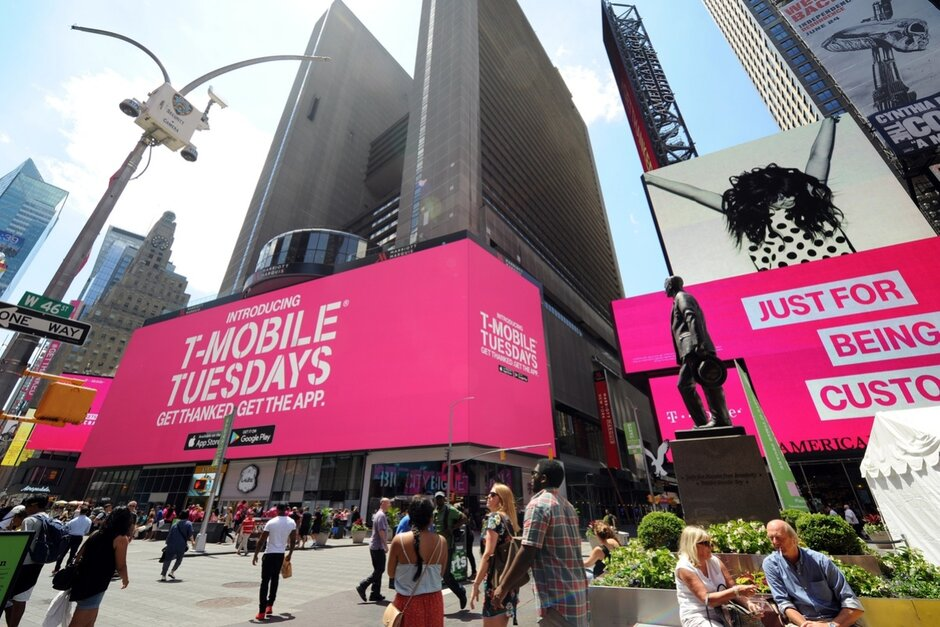 The crazy popular T-Mobile Tuesdays program is officially expanding to Sprint customers