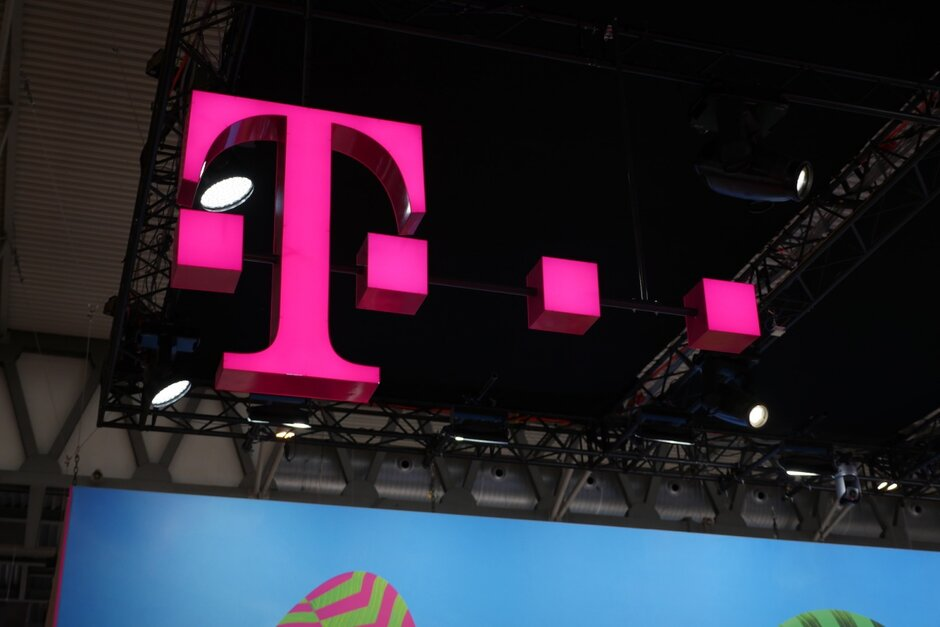 T-Mobile extends and improves its best service deal for both new and existing customers