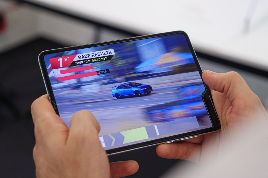More Samsung Galaxy Fold 2 specs and price details leak out, release date may be pushed