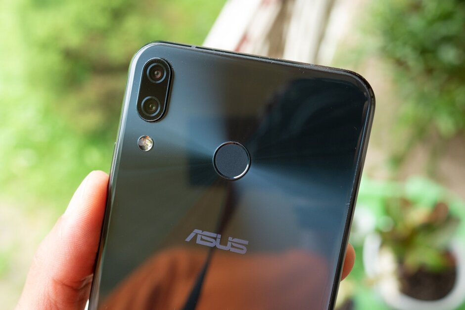 Asus' next-generation Zenfone flagships tipped to boast flip cameras