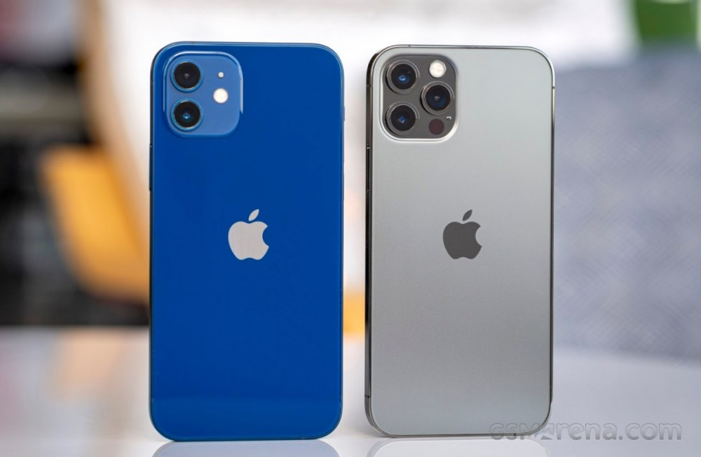 Apple iPhone 12 (left) and iPhone 12 Pro (right)
